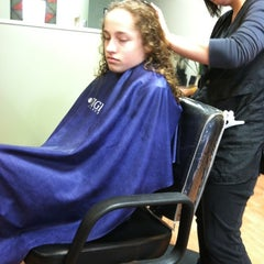 Photo taken at Fantastic Sams Hair Salons by Allee on 3/14/2013