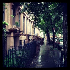 Photo taken at Brooklyn Heights by Jenn C. on 6/13/2013