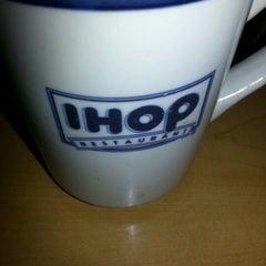 Photo taken at IHOP by Nikola Nino G. on 9/16/2012