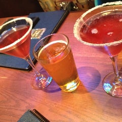 Photo taken at Houlihan's by Lucy on 9/16/2012