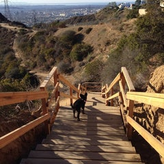 Photo taken at Fat Girl Hill at Runyon Canyon by Chendaddy on 12/25/2013