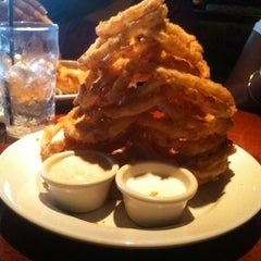 Photo taken at Cheddar's by tessahe on 7/15/2011
