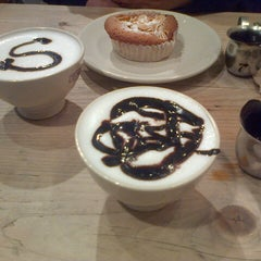 Photo taken at Le Pain Quotidien by Nestor on 7/19/2014