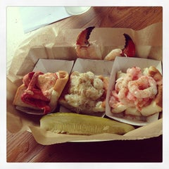Photo taken at Luke's Lobster | Bethesda Row by Publio M. on 7/14/2013