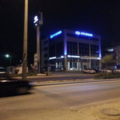 Photo taken at Akbak Hyundai Plaza by Abdullah Cihat A. on 5/8/2013