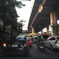 Photo taken at แยกยมราช (Yommarat Intersection) by ShowpowMay J. on 3/18/2015