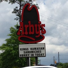 Photo taken at Arby's by 🌟Misty W. on 4/30/2013