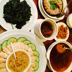 Photo taken at Soup Restaurant 三盅兩件 by CHanelLoh💋 on 1/31/2015