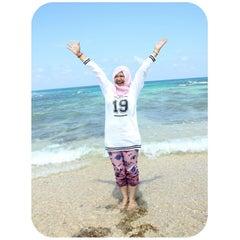 Photo taken at Pantai Ujung Genteng by Nisrina R. on 3/22/2015