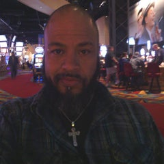 Photo taken at Hollywood on the Roof at Hollywood Casino by Jaun Paul W. on 3/29/2013