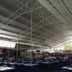 Photo taken at ตลาดรวมทรัพย์ by Kung on 8/29/2013