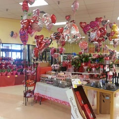 Photo taken at Winn-Dixie by Daniel H. on 2/20/2015