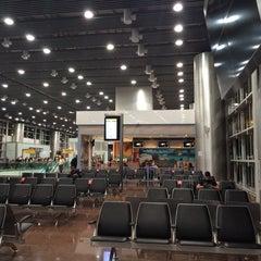 Photo taken at Aeroporto Internacional de São Paulo / Guarulhos (GRU) by Maria B. on 11/23/2014