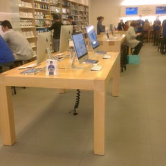 Photo taken at Apple Store, Century City by Евгений Д. on 5/12/2013