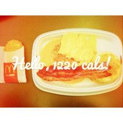 Photo taken at McDonald's / McCafé by Winnie W. on 12/18/2012