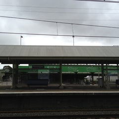 Photo taken at Flemington Station by Minh Thuy V. on 10/6/2012