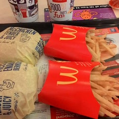 Photo taken at McDonald's by Wan e. on 11/3/2014