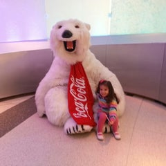 Photo taken at World of Coca-Cola by Elkin A. on 2/25/2013