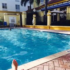 Photo taken at Hilton Garden Inn Boca Raton by Ghita on 9/26/2014