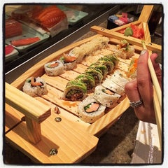 Photo taken at Sushi Hana Fusion Cuisine by Bert A. on 9/27/2014