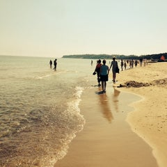 Photo taken at Strand Baabe by Lars R. on 5/25/2014