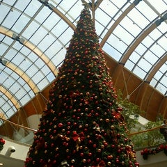 Photo taken at Mall Plaza Trébol by Luis G. on 11/15/2011