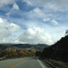 Photo taken at San Bernardino National Forest by Tina D. 🐠🐚🐋 on 12/30/2012