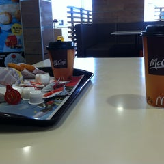Photo taken at McDonalds by Debanhi D. on 3/26/2013