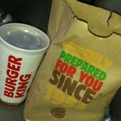 Photo taken at Burger King by Edgar V. on 5/20/2015