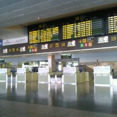 Photo taken at Aeropuerto de Gran Canaria (LPA) by Sara O. on 10/11/2012