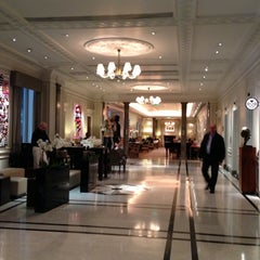 Photo taken at Hyatt Regency London - The Churchill by Charlene D. on 11/18/2012