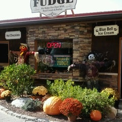Photo taken at Three Sisters Fudge by Dorie L. on 10/19/2012