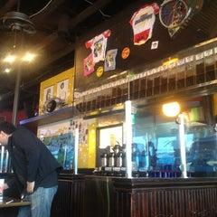 Photo taken at Buzzbrews by Allen Lee J. on 10/7/2012