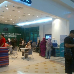 Photo taken at Maxis Centre by Anonimursi S. on 9/20/2013