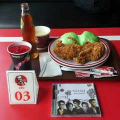 Photo taken at KFC by Muhammad H. on 10/26/2012