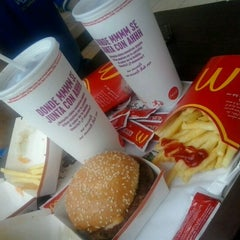 Photo taken at Mc Donald's by Solange N. on 3/11/2013