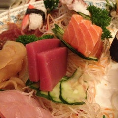 Photo taken at Deusimar Sushi by Rodrigo T. on 1/12/2013