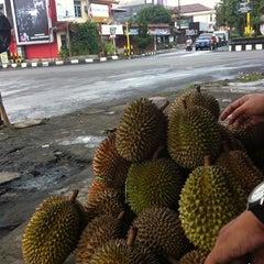 Photo taken at Pasar Sapi Salatiga by Yusak S. on 1/26/2014