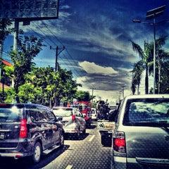 Photo taken at Jalan By Pass Ngurah Rai by Banyu B. on 1/30/2013