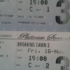 Photo taken at Platinum Screens by Sinta R. on 11/16/2012
