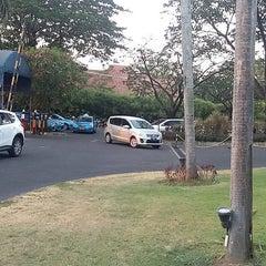 Photo taken at Novotel Surabaya Hotel and Suites by Selamet H. on 10/18/2015