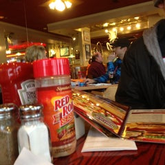 Photo taken at Red Robin Gourmet Burgers by Chris W. on 4/22/2013
