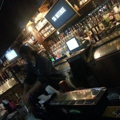 Photo taken at The Mousetrap Bar & Grill by Max A. on 10/11/2012