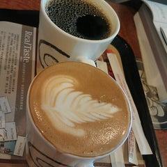 Photo taken at Mr. Brown Coffee 美麗華店 by Naomi on 1/13/2013