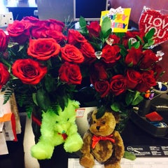 Photo taken at Exit Strategy Realty by Nycholle B. on 4/15/2015