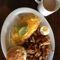 Photo taken at Oliver's Cafe by Vicky L. on 1/18/2013