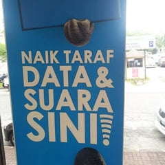 Photo taken at Celcom Ipoh Branch by Syazwan Z. on 2/1/2013