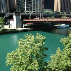 Photo taken at Sheraton Chicago Hotel & Towers by Leila on 6/11/2013