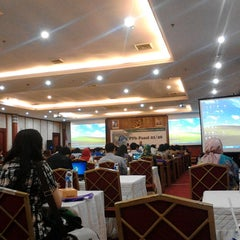 Photo taken at Kementerian Desa, Pembangunan Daerah Tertinggal dan Transmigrasi by Juni M. on 1/29/2014