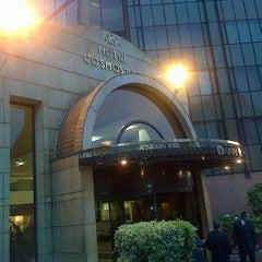 Photo taken at Hotel Cosmos 100 by José Valentin G. on 7/23/2013
